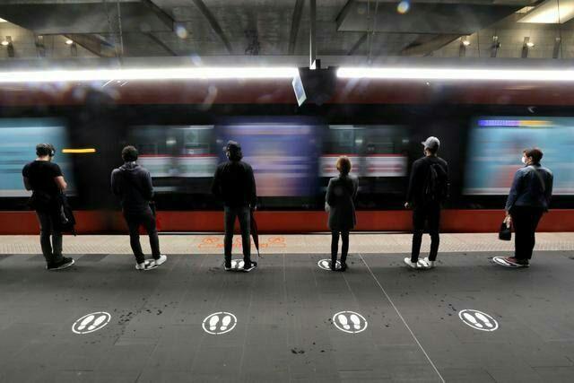 فاصله گذاری در مترو
