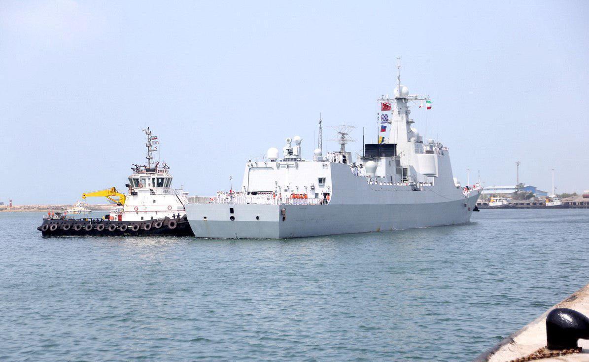 مانور مشترک نظامی نیروی دریایی ارتش ایران و چین در آبهای خلیج فارس