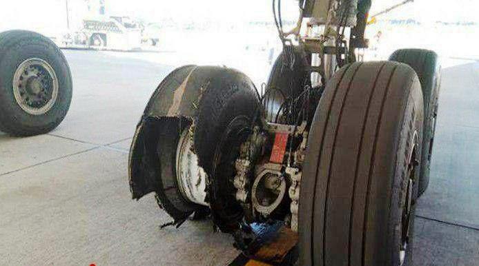 ترکیدگی لاستیک هواپیما
