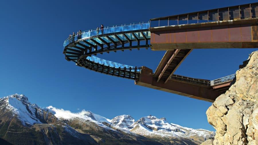 http___cdn.cnn.com_cnnnext_dam_assets_140430125544-2-glacier-skywalk-jasper-canada