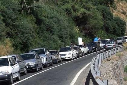 یک نمونه از شدت ترافیک در جاده چالوس/ توقف کامل خودروها