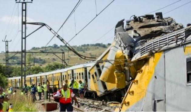 برخورد دو قطار مسافری در آفریقای جنوبی با 320 زخمی