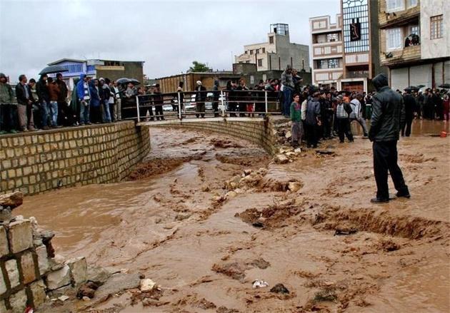 رانش و نشست زمین مشکل محورهای جادهای در استان مرکزی