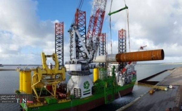 First monopile loaded onto sea - going vessel at Europoort