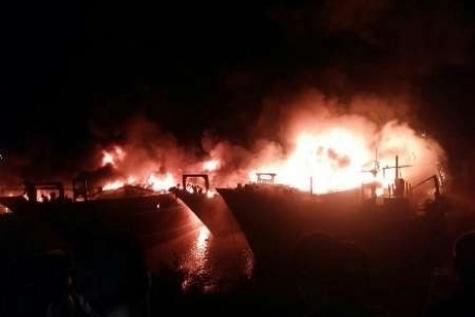 ۶ لنج صیادی در سواحل هندیجان آتش گرفت