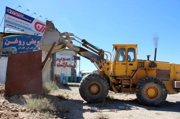 ساخت و سازهای غیر مجاز در حریم جاده ها عاملی مهم در بروزسوانح جاده ای