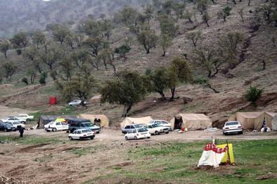 چادرهای گردشگران جمع آوری میشود
