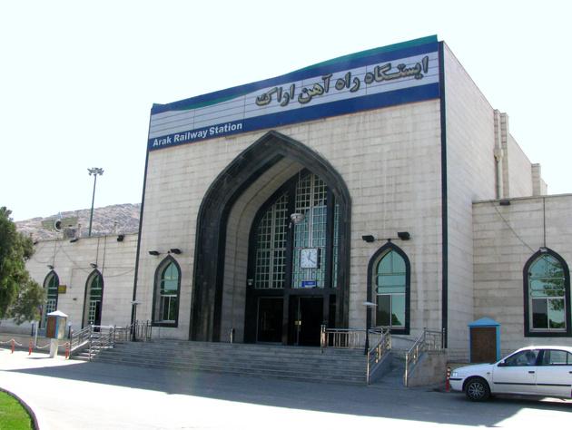 ارتقای وضعیت حمل و نقل ریلی استان مرکزی ضروری است