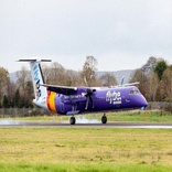 Flybe de Havilland Dash 8 Lands Without Nose Gear