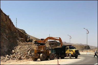 پروژه احداث چهارخطه گردنه صلوات آباد سنندج ۴۰ درصد پیشرفت دارد