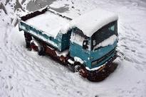 تصاویر وحشتناک از تصادف زنجیره ای در برف و کولاک گردنه حیران