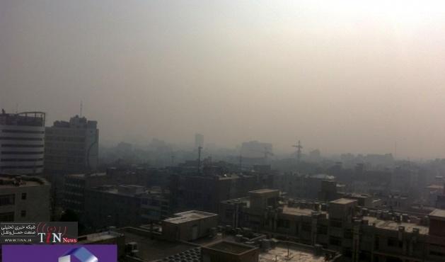 استمرار آلودگی هوا در تهران / برای کاهش آلودگی هوا همگرایی و وحدت رویه وجود ندارد