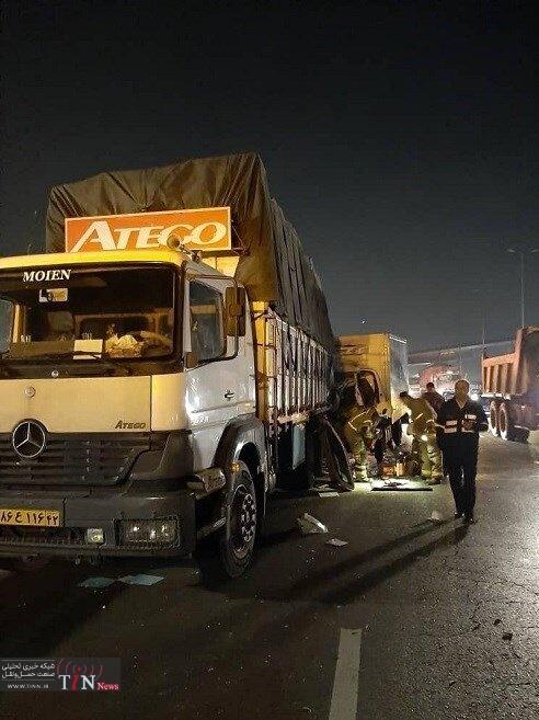 تصادف مرگبار کامیونت با کامیون