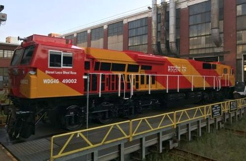 GE rolls out first painted Evolution Series locomotive for Indian Railways