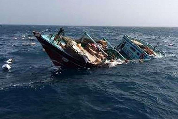 نجات ۴ سرنشین شناور غرقشده در مسیر بوالخیر - دبی/ یک نفر فوت شد