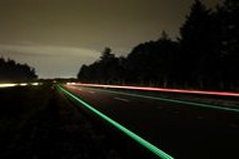 Glow - in - the - dark highway opens in Netherlands