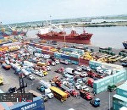 Protesters block truck traffic at Iraq's Umm Qasr port