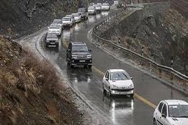 بارش برف و باران در جادههای شمالی