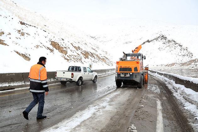توصیه پلیس درمورد استفاده از تجهیزات زمستانی در محورهای کوهستانی