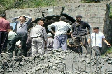 پیگیری مطالبات خانوادههای جان باختگان معدن آزادشهر توسط یک تیم سهنفره