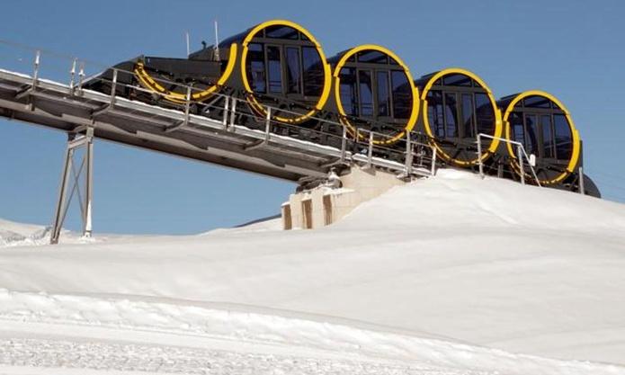 barrel-shaped-carriages-seen-line-stoos-funicular_4e311d4e-e19f-11e7-814a-000c05070a4c