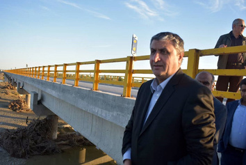 بازدید وزیر راه و شهرسازی از مناطق سیل زده هرمزگان