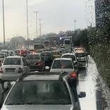 آبگرفتگی و ترافیک در اتوبان تهران-کرج