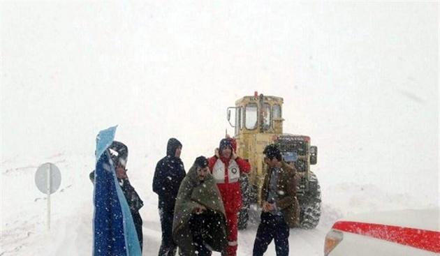 سقوط بهمن در محور کرج ـ چالوس