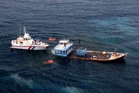 نجات جان ۶ نفر دریانورد ایرانی در آبهای جزیره ابوموسی