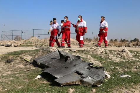 تصاویر دلخراش از سقوط هواپیمای اوکراینی حوالی فرودگاه امام