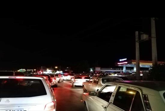 فیلم | صف کیلومتری پمپ بنزینهای اصفهان