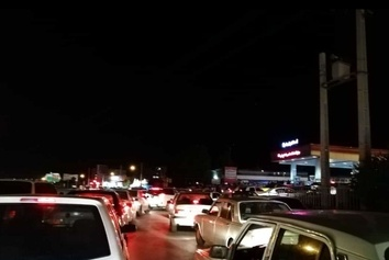 صف کیلومتری پمپ بنزینهای اصفهان