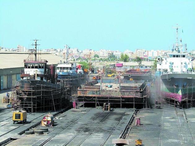 محاصره کشتیسازی در باتلاق تأخیر
