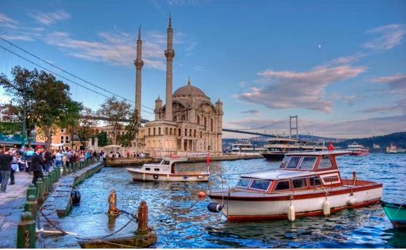 آشنایی با تنگه بسفر  در تور استانبول