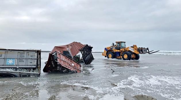 سقوط کانتینر در دریا