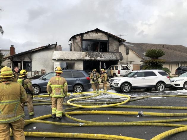 Cessna 414A crashes into a single family house in the suburb of Yorba Linda, California