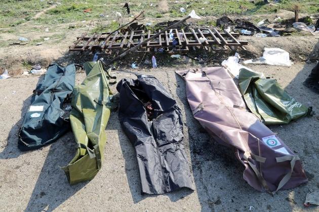 پیکر ۱۶ شهید ایرانی سانحه هوایی هنوز تحویل خانوادهها نشده است