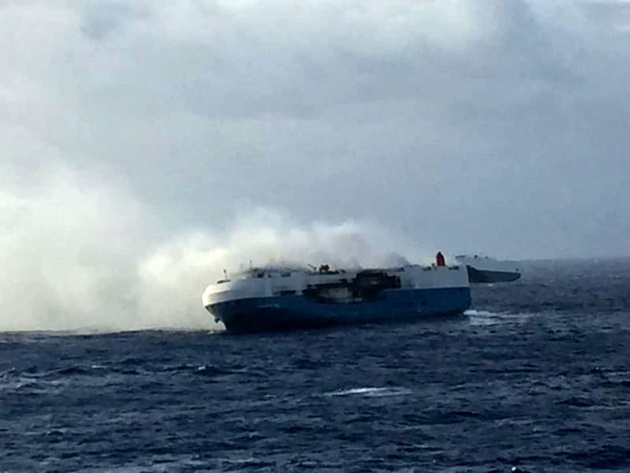 Burning Car Carrier Sincerity Ace Abandoned in Pacific Ocean; Two Missing, Three Fatalities Confirmed