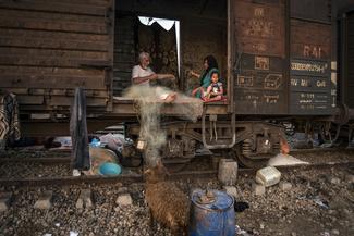 قطار بدون مقصد سیلزدگان بامدژ