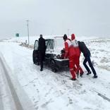 امدادرسانی به هموطنان گرفتار برف و کولاک