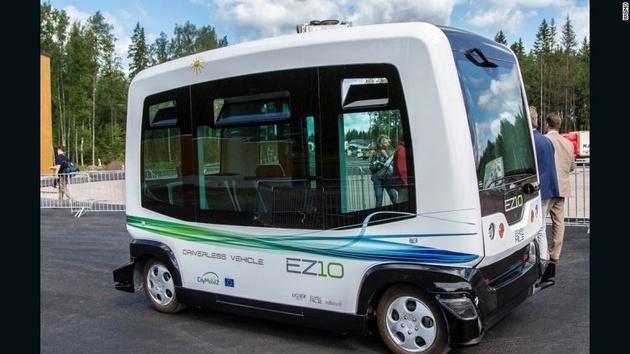 آزمایش تکنولوژیهای آینده حملونقلی در دبی؛ از اتوبوس خودران تا ولوکوپتر +تصاویر