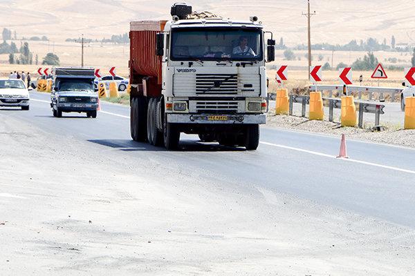 گرانی قطعات مانع سرویس به موقع کامیونها شده است