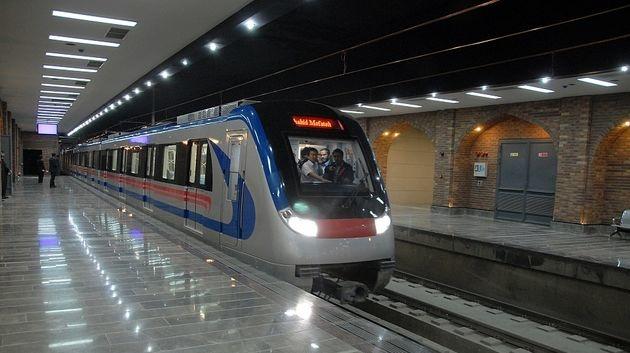 یک ساعت به زمان فعالیت متروی اصفهان اضافه شد