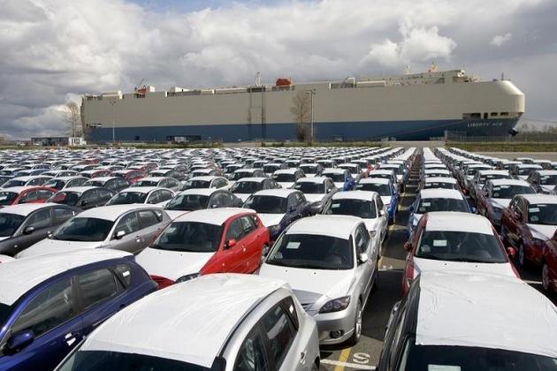 بازخوانی آنچه در یکسال اخیر بر واردات خودرو گذشت
