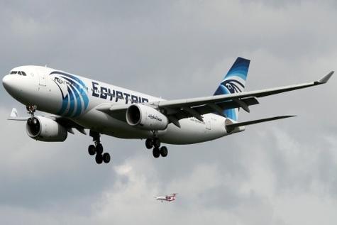 هواپیمای ربوده شده مصر در فرودگاه «لارناکا» فرود آمد