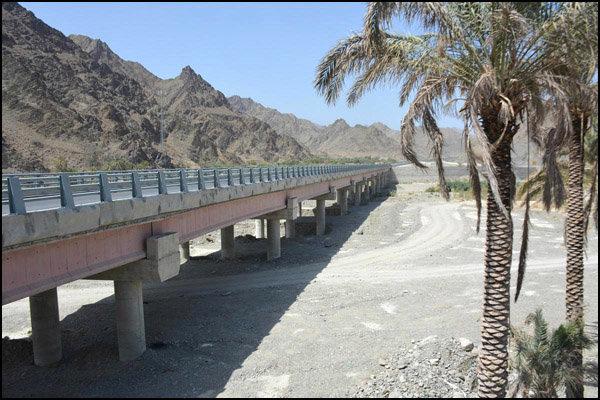 پیشرفت 98 درصدی پل سرباز در ایرانشهر