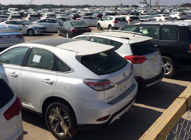 بلاتکلیفی 450 خودرو قاچاق ترخیص شده از گمرک