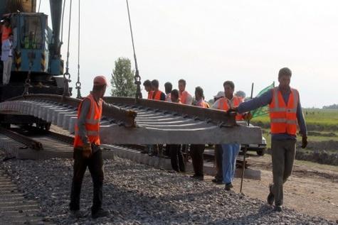 انتقاد از کندی ساخت خط آهن خرمشهر – بندر بصره