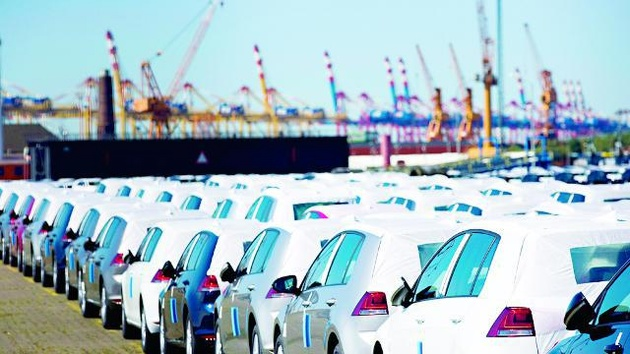 سیاستگذار یا دلال، مقصر اصلی تخلفات خودرویی کیست؟
