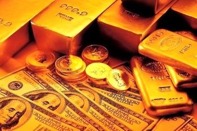 کاهش قیمت سکه و دلار در روز تنفیذ رئیس جمهور